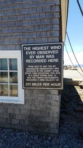 high wind sign